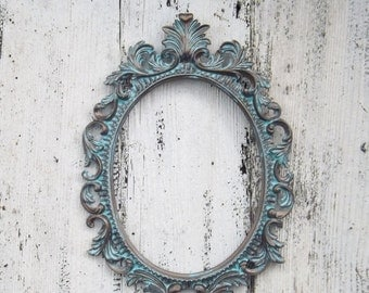 Ornate Baroque Frame / Hollywood Regency / Patina / Oval Frame / Paris Apartment / Wedding Frame / Photo Prop / Shabby Chic Decor