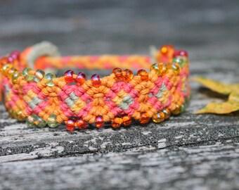 Micromacrame hemp bracelet with glass seed beads, hippie, hemp jewelry, macrame, autumn, fall