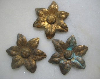 Vintage Raw Brass Flower Stampings: Stamped Bras, Patina Brass, Jewelry Findings, Decoration, Trims,  30mm,  3 Pieces