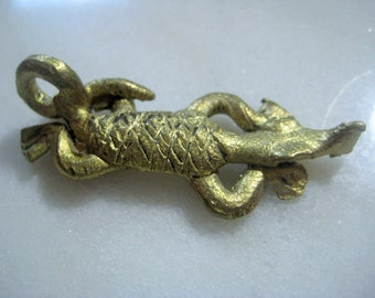 Vintage African Pendant, Lost Wax Brass Cast Alligator or Crocodile, Tribal Jewelry Finding, Ethnic Design, Handmade in Ghana 40x16mm, 1 pc.