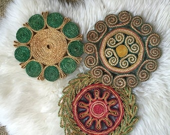 vintage straw wall flower trivets / hot plate baskets / woven wall baskets