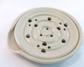 Soap Dish - Handmade Pottery - Drain Tray - One Piece - Soap Saver - Pottersong - Kitchen or Bath - Off White - Cream