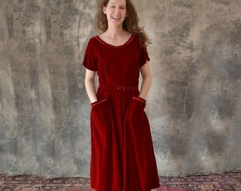1950s Red Velvet Holiday Dress size M