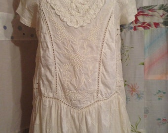 MED/LARGE, Romantic Lace and Embroidery Bohemian Beautiful Shabby Chic Lightweight Cotton Tunic Top