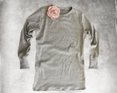 Gray top crew/Removable brooch clip/Women tee long sleeve/knit top rose