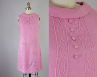 1960s Vintage Mod Candy Pink Linen Short Shift Dress (S)
