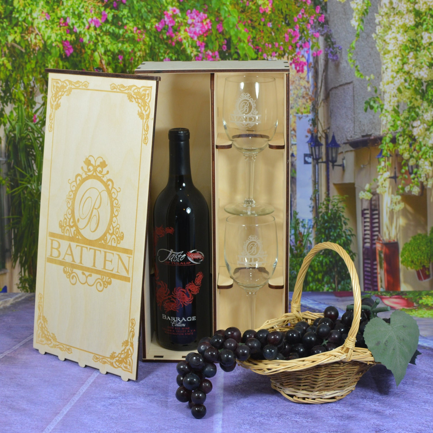 Personalized Wedding Wine Gift Box Set With 2 Custom Etched