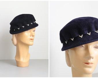 vintage 1950s French felt ladies hat - midnight blue hat / Bonwit Teller - 1950s hat / navy blue hat - rhinestone trim