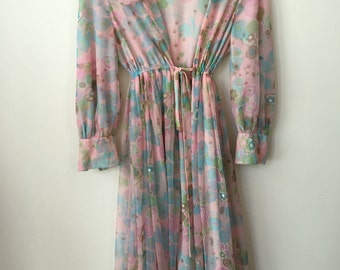 vintage 60s pastel floral ruffled rob