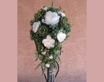 Succulent Bouquet, MADE TO ORDER, White and Sage Green Wedding Flowers,  Bridal Bouquet With Faux Succulents, Green White Wedding
