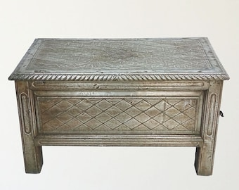 Metal Wrapped  Table / End Table / Silver / Shipping Included in the U.S.