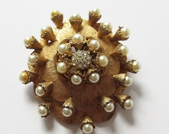 on sale HAR Pearl and Rhinestone Flower Cluster Pin Vintage HAR Pin