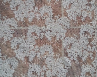 Fabulous Alencon Lace Fabric Luxury Ivory Wedding Lace Embroidered Retro Tulle Lace 51.5 Inches Wide 1 Yard