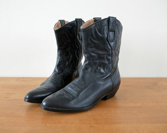 Tooled Western Ankle Boots // Women Size US 7M /37 EU Vintage Black Leather Cowboy Boots