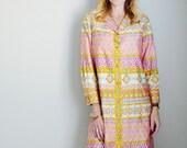 Vintage 60s 70s Morroccan Style Shirt Dress Pink Gold Kneelength // Womens medium