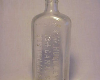 c1915 H.W. Huguley Co. 134 Canal St. Boston, Mass., Nice Cork Top Clear Whiskey Flask Bottle