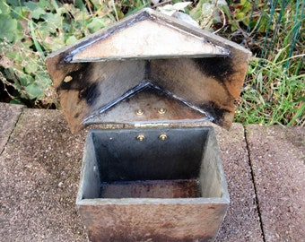 Small slate house box with hinged roof made from recycled weather beaten slate. # SMH-10
