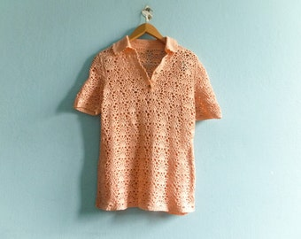 Vintage crochet top blouse / crocheted / salmon pink pastel / handmade / short sleeve / collar / hippie boho bohemian / medium