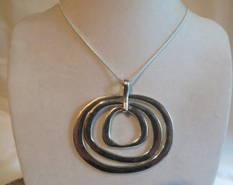 "18"" Silver Circles Necklace"