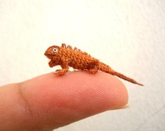 Micro Brown Iguana - Miniature Crochet Mini Lizard stuffed animal - Made To Order