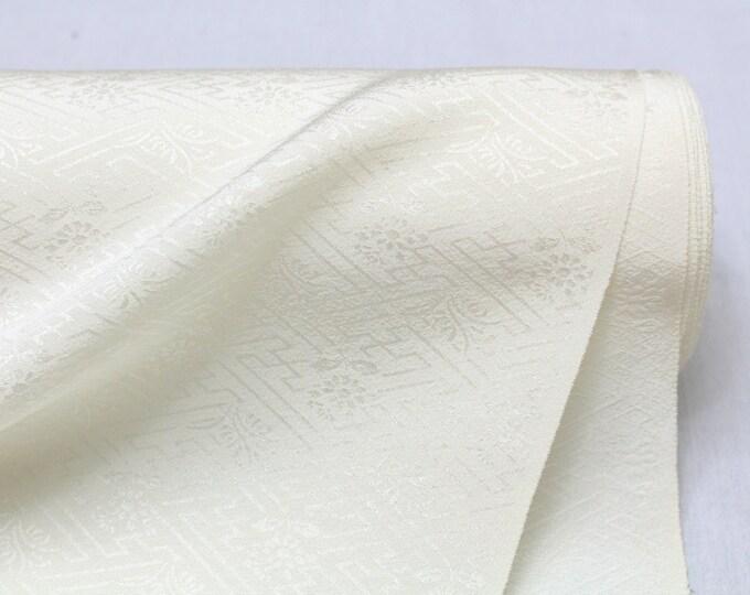 Undyed Silk Bolt. Geometric Floral Design. Natural Fabric. Japanese Vintage Kimono Silk (Ref: 1119)