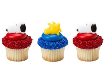 Peanuts Snoopy and Woodstock Cupcake Rings / Cupcake Toppers / Decorations / Favors / Party Supplies