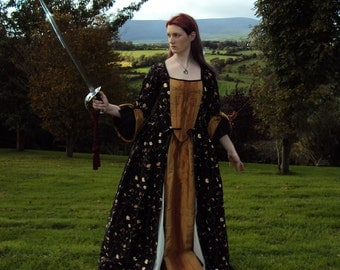 Ezra - Pirates-Style Embroidered Silk Gown in Black and Gold with Hand Embroidery