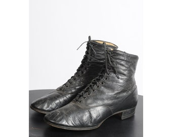 antique edwardian distressed boots/ 1900s 1910s lace up shoes/ ankle boots