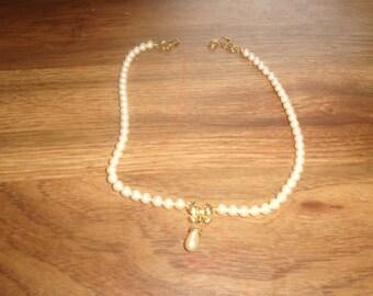 vintage necklace faux pearls goldtone drop