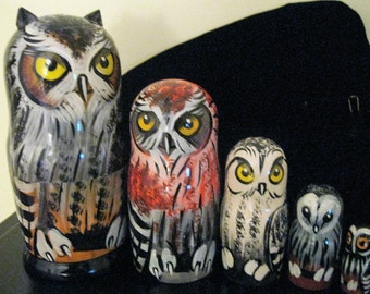Big OWLS family - Rare unusual 3D Beautiful Large nesting dolls.   Quality artwork. Hand carved & hand painted in Russia  on wood.