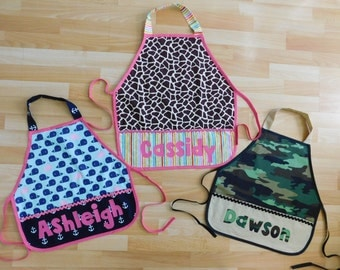 Kid's girl boy giraffe, nautical, camo pocket personalized name school play apron smock for toys, cooking tools, art supplies 2-6 years
