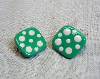 1980s Green and White Polka Dot Clip On Earrings