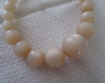 Pale Peach Moon Glow Bead Necklace  Costume Jewelry