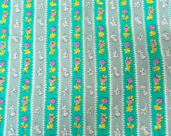 1950s Floral Feedsack Fabric ... Vintage 40s - 50s Feedsack Material Remnant ... 1/2 Yard