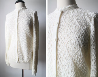 Vintage British Vogue Cream Crochet Knit Lightweight Button Down Cardigan Sweater Size M/L