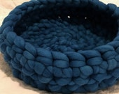 Cat Bed, Pet Bed, Cat Nest, Cat Cave, Cat Furniture, Small Dog Bed, Pet accessories , Chunky Wool Cat Bed, 29 Color options & size options