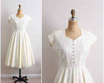Reserved/ Vintage 50s Style Lace Wedding Dress / 1970 Wedding Dress/ Bridal Gown/ Full Skirt Dress/ Size M/L
