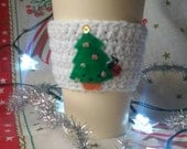 Kawaii Christmas tree with ladybug cozy, xmas cozy, coffee sleeve, gifts for her, stocking stuffer, ladybird cosy, coffee lover, noel