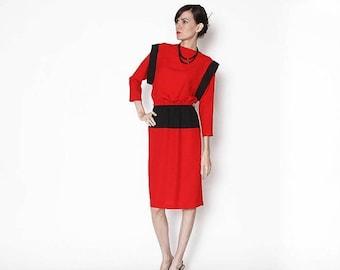 ON SALE Vintage 80s Red Black Dress / Color blocking / Working girl