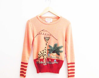 Vintage 1970s Sweater | Coral Pink Giraffe 1970s Novelty Sweater | size small