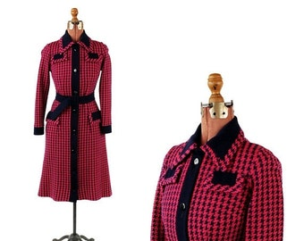 ON SALE Vintage 1970's Couture Imports Hot Pink + Navy Blue Houndstooth Knit Belted Shift Dress M