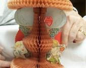 Antique Honeycomb Valentine Beistle 1933