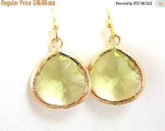 SALE Green Earrings, Green Apple Gold Earrings, Peridot, Glass Earrings, Weddings, Bridesmaid Earrings, Bridal Earrings Jewelry, Bridesmaid