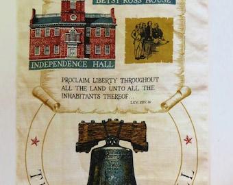 Vintage Tea Towel, R Batchelder Liberty Bell Towel, Kay Dee Linen Kitchen Towel, July 4 Retro Kitchen Decor, Patriotic Philadelphia Towel