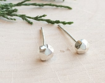 Faceted Pebble Earrings | Sterling Silver Studs | Minimal Jewelry | Simple Earrings | Modern Jewelry | Geometric
