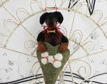 Needle felted dachshund ornament for the dog lover, pet lover, Pet Pocket, black and brown dachshund heart ornament, ready to mail