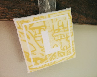 "Yellow Willow Sign ""L"" 2""x2"""