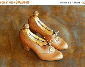 JULY SALE / vintage Edouard Jerrold brown leather oxford heels / rare 70s designer shoes / size 5