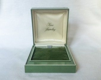 Vintage Jewelry Box Green Velvet Display Plastic Necklace Pendant Locket Coin Cufflinks