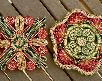 Set of (2) Vintage Woven Raffia Straw Woven Trivets FREE SHIPPING Red Green Brown / Table - Wall Decor